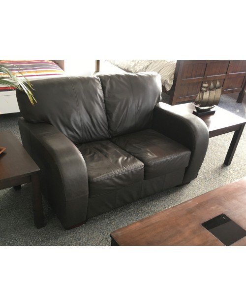 *SHOWROOM SALE* 2 Seat Leather Lounge